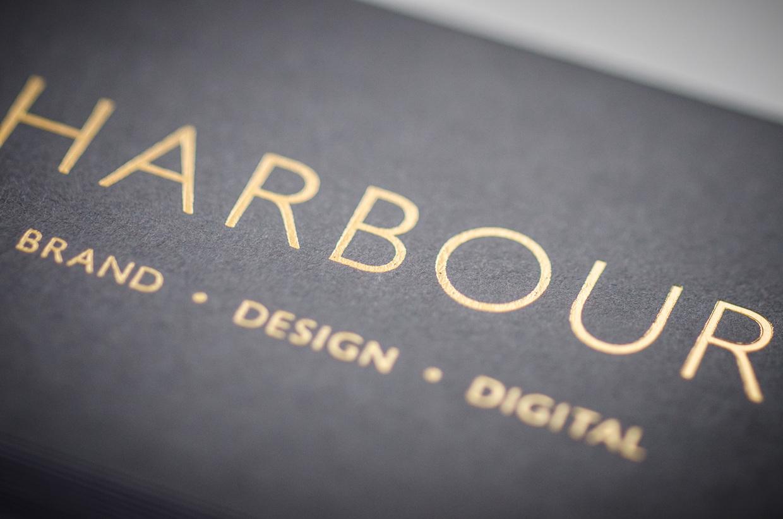 Harbour Brand ID - czarne wizytówki