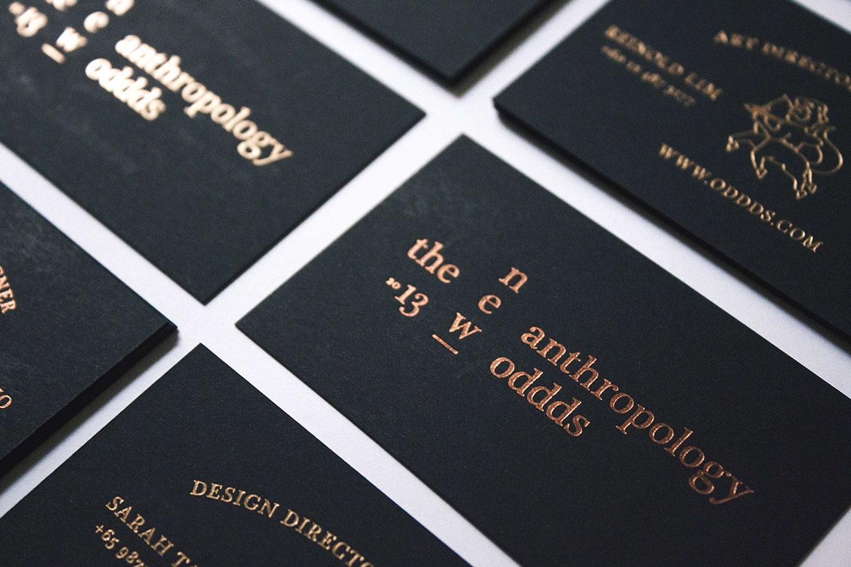 czarny karton ze złotem