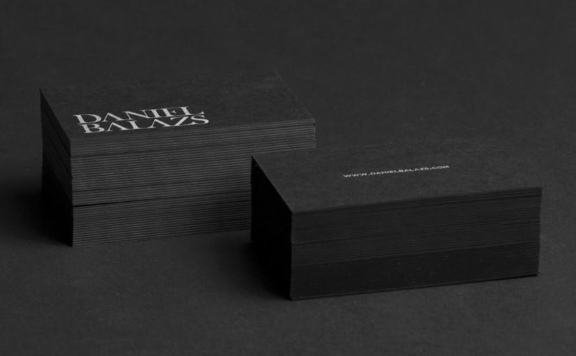 Czarne wizytówki – srebrny pantone