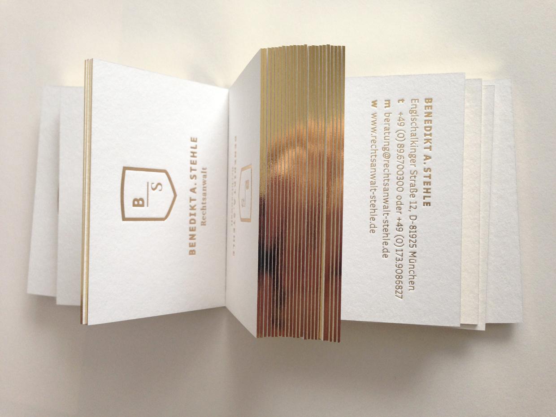 karoline frau-wizytówki-złote-krawędzie